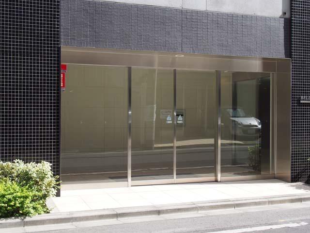 ベルドゥムール東京八丁堀のエントランス