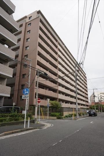 コスモシティ横浜石川町の外観