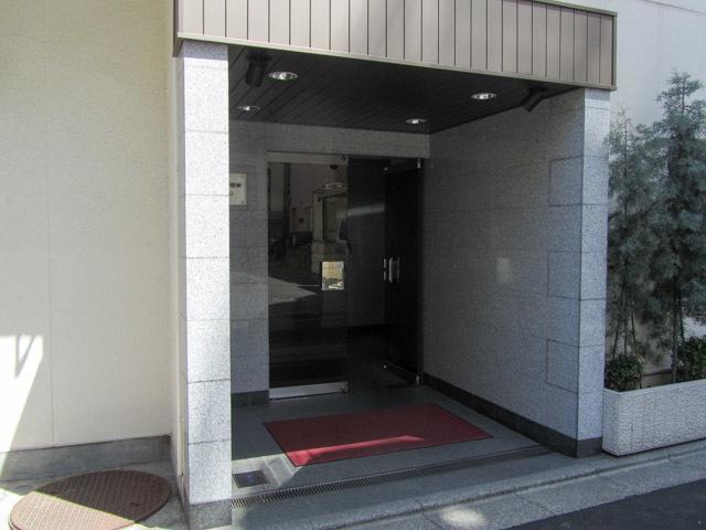 ウェスト早稲田マンションのエントランス