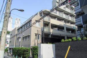 ラグジュアリーアパートメント西新宿の外観