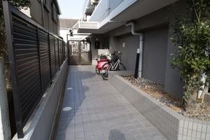 ジェイパーク駒沢のエントランス