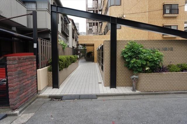 ナイスアーバン川崎小田のエントランス