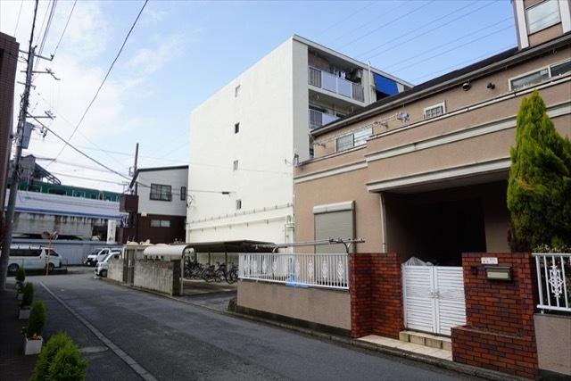 新横浜マンションの外観