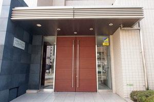 レーベンリヴァーレクロス東京のエントランス