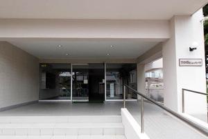 竹ノ塚ビューハイツのエントランス