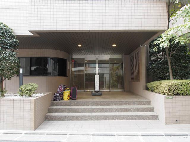 アドリーム文京動坂のエントランス