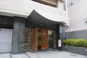 菱和パレス飯田橋駅前のエントランス