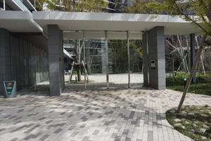 プラウドシティ加賀学園通りのエントランス