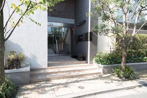 レイヤーズハウス杉並善福寺川公園のエントランス