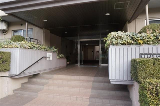 宮前平土橋スカイマンションのエントランス