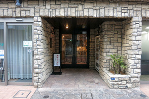 トーシンフェニックス笹塚参番館のエントランス