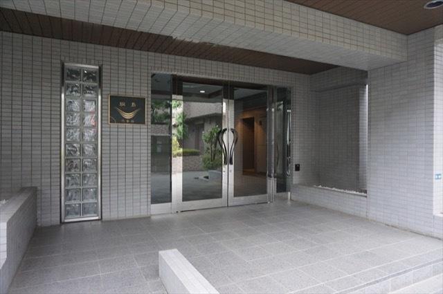 バームハイツ綱島弐番館のエントランス