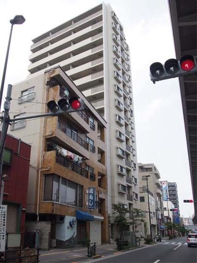 コスモレジデンス東京イーストの外観