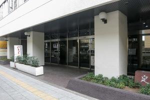 キャッスル新宿のエントランス