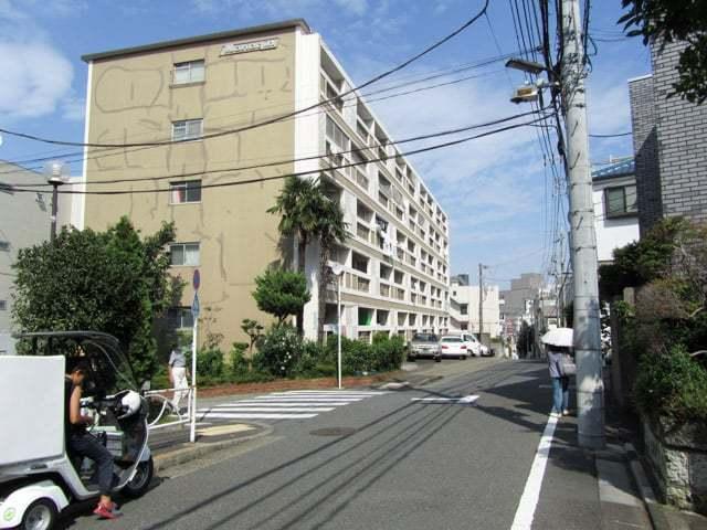 中銀東山マンションの外観