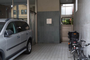 ジェイパーク駒沢大学ルミナヴェールのエントランス