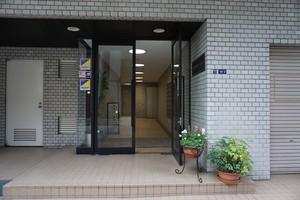 中銀新橋マンションの外観