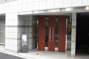 サンスタレ駒沢ファーストコートのエントランス