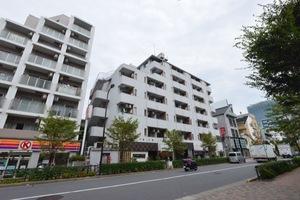 目黒三田フラワーマンションの外観