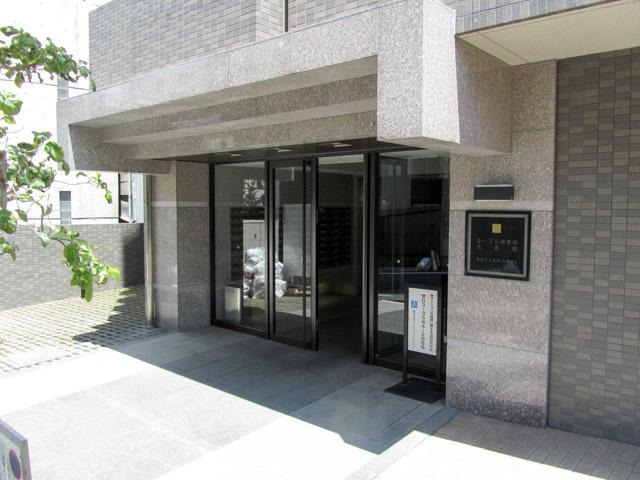 ルーブル神楽坂弐番館のエントランス
