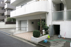 セルベコート笹塚のエントランス