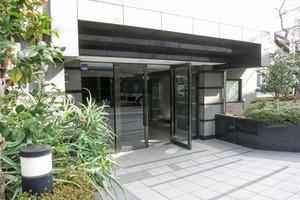 ルーブル笹塚弐番館のエントランス
