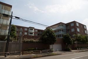 ザフィネスト上野毛パークハウスの外観