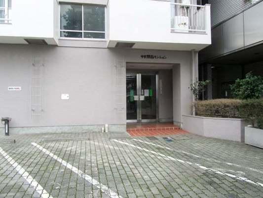 中野永谷マンションのエントランス