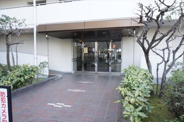 藤和西横浜ハイタウンのエントランス