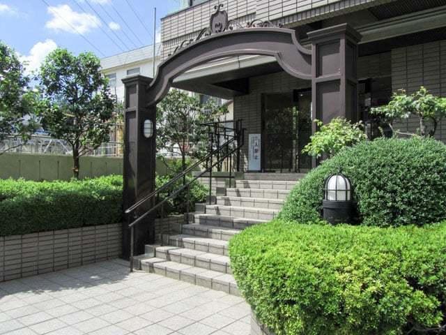 グランフォルム駒沢公園のエントランス