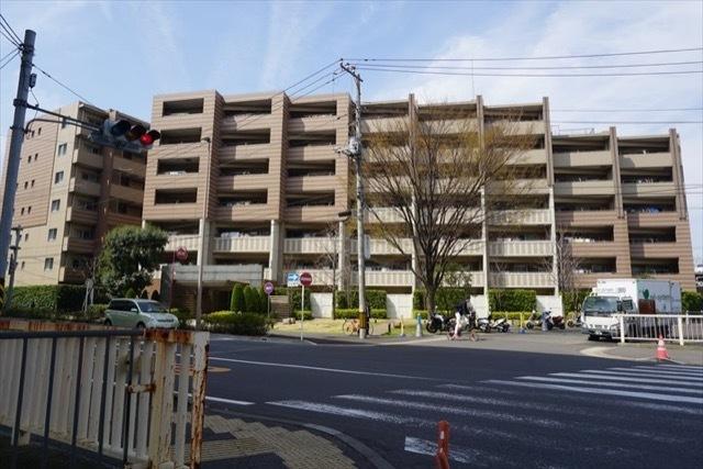 クレストフォルム横浜根岸の外観