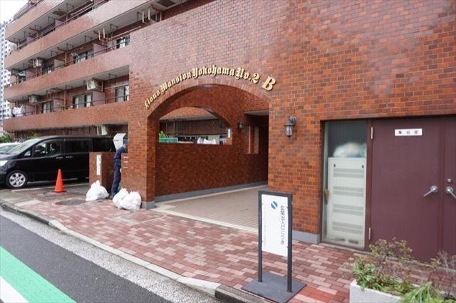 ライオンズマンション横浜第2B館のエントランス