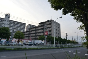 クレストフォルム葛西臨海公園の外観