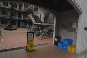 中野江原町パークホームズのエントランス
