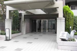 コスモ平井ウイングコートのエントランス