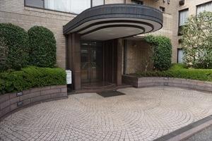 赤坂氷川町パークマンションのエントランス