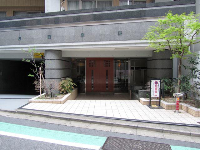 ジェイパーク渋谷神泉のエントランス