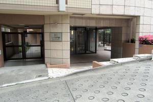 レックス西早稲田のエントランス