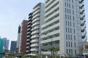 パークリュクス西新宿の外観