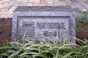 ナイスパークフロンテージ西六郷の看板