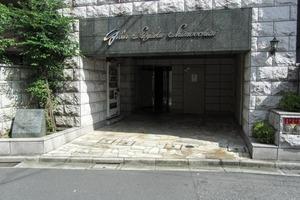 ガーラ新宿下落合のエントランス