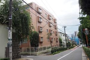 駒込八幡坂ガーデニアの外観