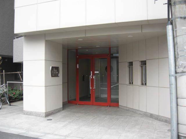 ヴィルラフィーネ東新宿のエントランス