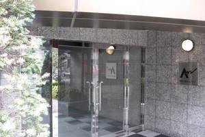 東京八重洲アムフラットのエントランス
