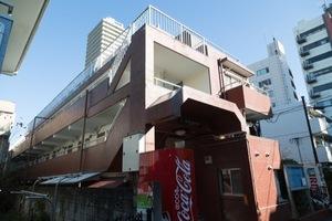 ユースフル駒沢大学の外観