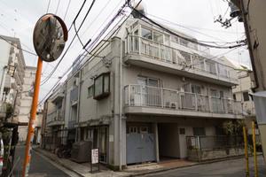 サカエ代田橋マンションの外観