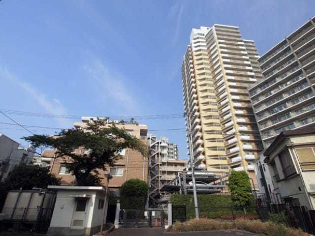 東京シティトリエの外観