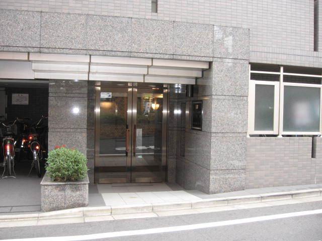 ルーブル永福町弐番館のエントランス