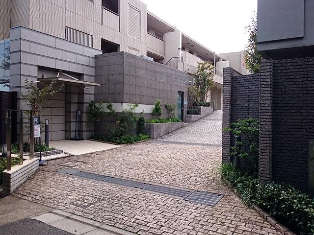 フォルム大田中央のエントランス
