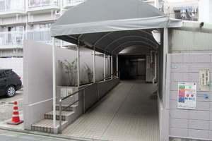 メトロ中野新橋マンション(A館・B館)のエントランス